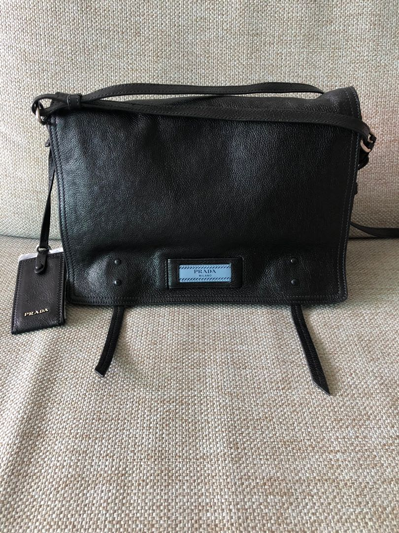 672b13076e7455 Prada Small Etiquette shoulder Bag Nero Astrale, Luxury, Bags ...