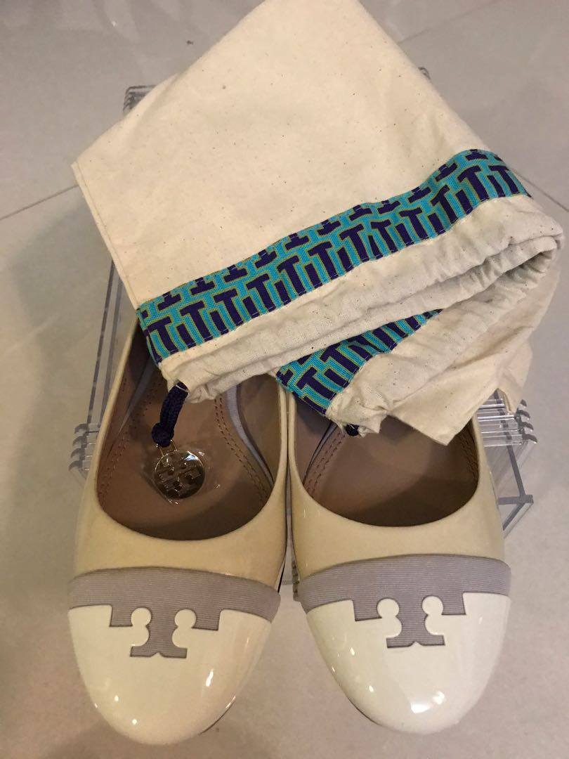 c4facb82bc8 Tory Burch Shoes- Size 6 - Chelsea Cap Toe Ballet Flat - Cream ...