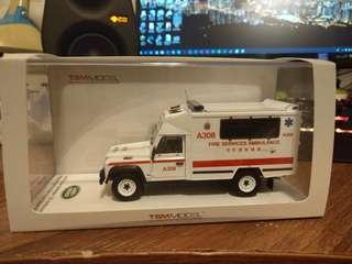 TSM 1:43 Land Rover Defender 130 越野救護車模型