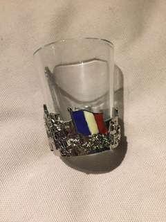 Pajangan gelas Paris