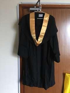 恆生管理學院畢業袍