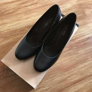 Comfort Plus Black Pumps
