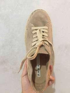ZARA sneakers cream