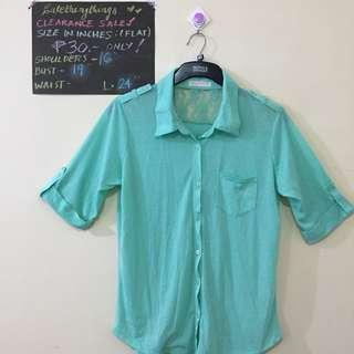 🔥 Large - Mint Green Short Sleeved Top w/ Lace detail - check description for details