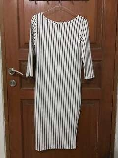 Dress stripes white wanita