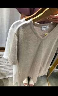 🚚 Reami米色v領上衣(含運費)