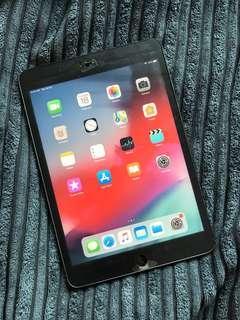 iPad mini 2 32gb W/Retina display WIFI only