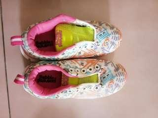 Sepatu anak 3th