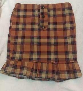 Checkerd Raffled Skirt