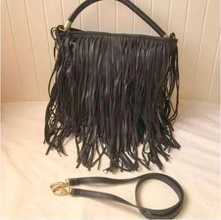 ✨👍🏼H n M black tassel shoulder bag  全新 H&M 黑色 流蘇袋