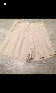 Cameo shorts fit 6-8