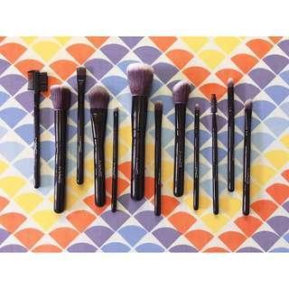 MAC 12-Piece Makeup Brush Set