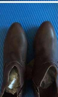 Brown boots, no bargaining