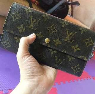 100% authentic Louis Vuitton wallet