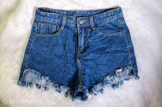 Denim tattered shorts