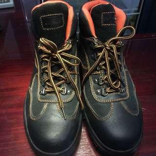 Krisbow Boots size 44