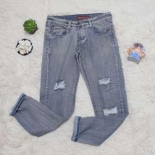 Levi's ripped mom jeans