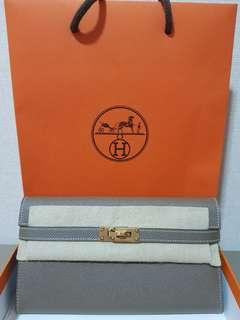 C stamp - Hermes Kelly Wallet in GHW (Not Chanel/LV/Gucci)