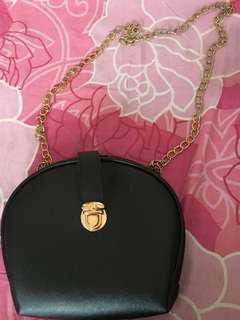 Sling Bag Hitam Mini