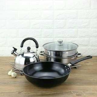 3 IN 1 COOKWARE SET FRYING PAN + STAINLESS STEEL SETEAMER & 3 LITER WHISTLE KETTLE