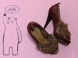 🚚 跟鞋。仿皮草魚口高跟鞋。便宜出清。
