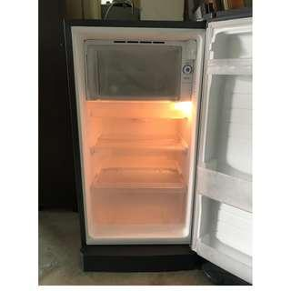 Peti Sejuk 181 L Fridge Sharp SJ-D181S-SL * L91 D
