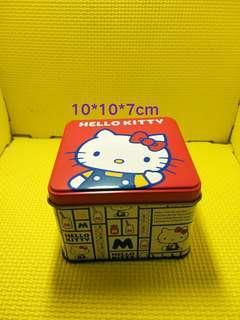 🚚 Hello Kitty鐵盒