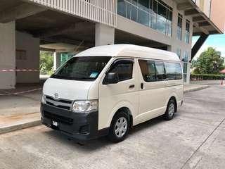 TOYOTA HIACE WINDOW VAN 2.5 Diesel Turbo