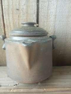 穀雨陶的手作兩件式柴燒壺