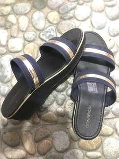 Sandal wedjes conexion