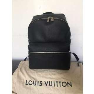 Louis Vuitton TAIGA 2018 SS Street Style A4 Plain Leather Backpack (M33450)