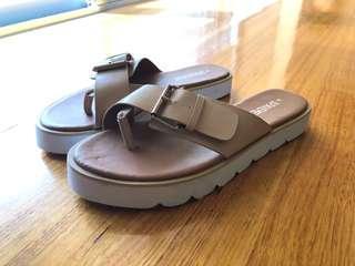 Platform slides sandals tan 37/6.5