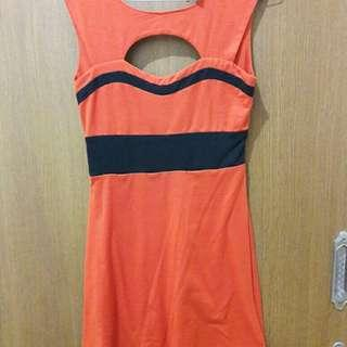 Preloved Mini Dress Orange Fit to L Mat Kaos Import
