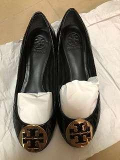 Charity sale ~ Tory Burch slips on shoes
