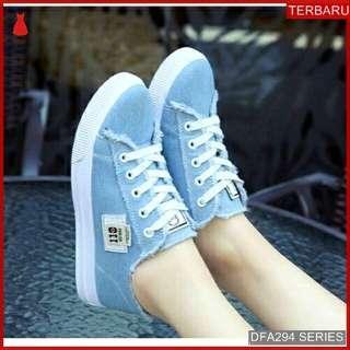 jeans Sepatu Wanita Sneakers