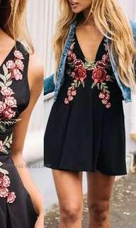 BN Floral Embossed Deep V Black Dress M