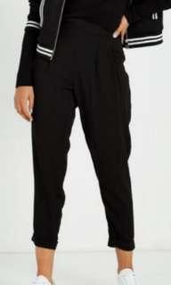 📌Black drapey pants