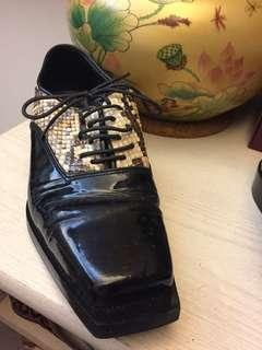 Patent + exotic snake skin oxford shoes