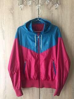 🚚 ::NIKE::桃紅湛藍拼色透氣防風外套
