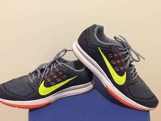 Nike Zoom Shoes Size 12