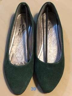 墨綠色平底鞋