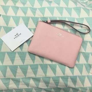 BNWOT Coach Crossgrain leather corner zip Wristlet (fits iphone X)