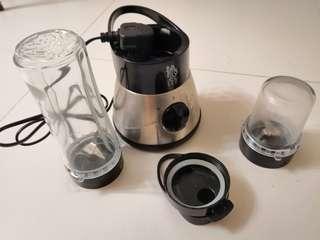 攪拌機 (肉或生果,果汁) 有果汁攜帶杯