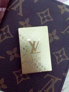 🚚 LV Lighter