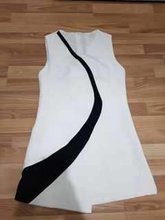 BNWOT MONOCHROME DRESS FROM KOREA SIZE L