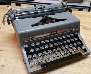 royal 1930s qdl glasskey typewriter
