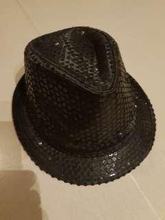 Black Hat with sequins. 100% Polyester