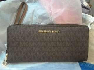 Michael Kors Jet Set Leather Large Zip Around Travel Wallet Brown Acorn - B0784TYN5S