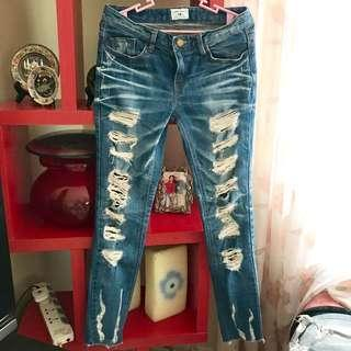 A&K Tattered Jeans