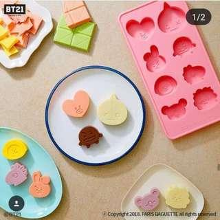 bt21 paris baguette ice tray
